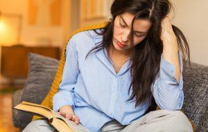 Ce să citești dacă te simți singur. 8 cărți care-ți țin companie