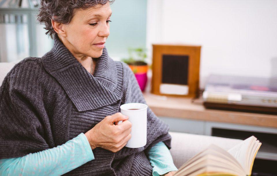 8 cărți pentru mamele noastre. Ce le putem oferi în afară de flori