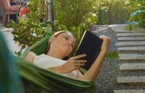 8 cărți scurte, pe care le poți citi rapid în minivacanța de Paști