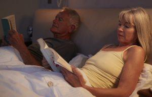 8 cărți de citit înainte de culcare, pentru că te relaxează