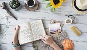 Ce să citești când nu poți să călătorești. 6 cărți care te scot imaginar din autoizolare